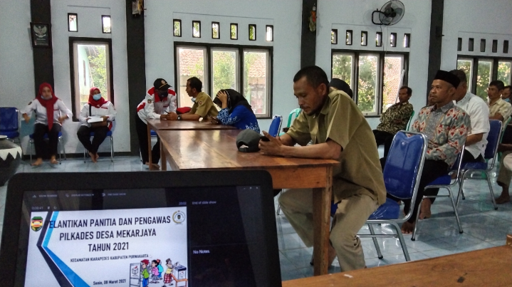 Pelantikan Panitia dan Pengawas Pilkades 2021 Desa Mekarjaya